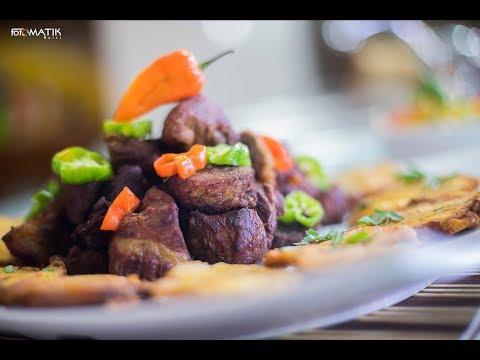 Kòman yo fè griyo ayisyen + pikliz ak bannann peze - Haitian porc griot