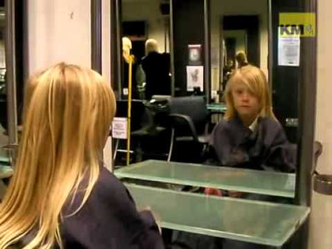 7-year-old gets first haircut for charity