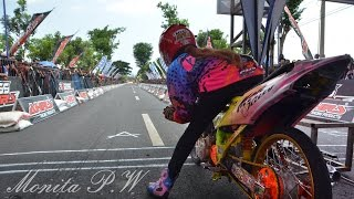 Video Drag Bike wanita indonesia Monita Jogjakarta | indonesia drag bike girls MP3, 3GP, MP4, WEBM, AVI, FLV April 2017