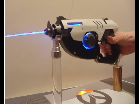 Man Builds Fully Functional Overwatch Pulse