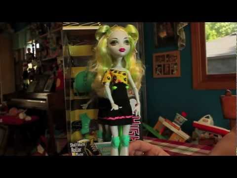Monster High Roller Maze Doll Review (Operetta, Ghoulia, Lagoona)