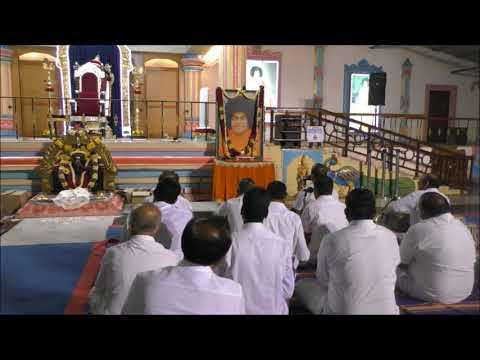 Video Brindavan Bhajans - Hara Hara Gange download in MP3, 3GP, MP4, WEBM, AVI, FLV January 2017