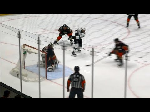 Video: Sharks' Vlasic buries sweet feed from Hertl