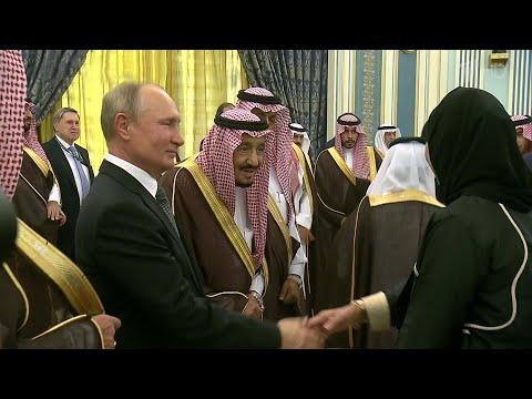 Особенно торжественной сделали в Эр-Рияде церемонию встречи президента России Владимира Путина.