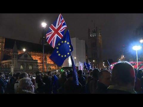 Großbritannien: Referendum gefordert - das britische Volk soll entscheiden