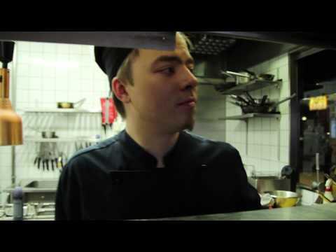 Kurkkaa BBQ Housen keittiöön!