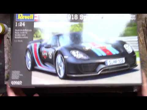"""Maquette REVELL PORSCHE 918 SPYDER """"WEISSACH SPORT"""" - 1/24 - 120 pièces"""