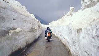Manali India  city pictures gallery : Way to Rothang pass , Manali , Himachal Pradesh , India tourism
