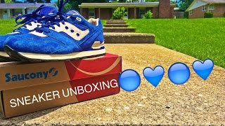 Unboxing and on feet review of the blue Sauconies from their Courageous Pack!