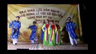 Tiết mục múa Lý cây đa bởi nhóm múa Tuổi trẻ thuộc Ban chấp hành Chi đoàn My Hạ chào mừng hội làng thôn Nga My Hạ 2013.Anh chị em xem quẩy bung lụa 2:48 luôn------------------------------ Liên hệ Chi Đoàn My Hạ  ------------------------------Youtube: https://www.youtube.com/channel/UCF0-4Djs7nH2BcV3lg449Kw?sub_confirmation=1Facebook: https://www.facebook.com/groups/chidoanmyha/Google Plus: https://plus.google.com/100704143048108057844Website: http://chidoanmyha.com/Email: chidoanmyha@gmail.com