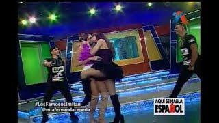 Video Momento en que Mia Cepeda le da un beso a la presentadora Elizabe en VIVO MP3, 3GP, MP4, WEBM, AVI, FLV November 2018