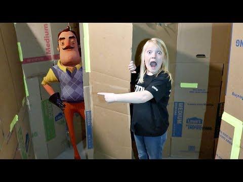 SOMEONE BROKE IN!   Hello Neighbor in a Box Fort (видео)