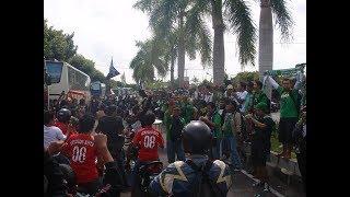 Video Lihat Aksi Bonek Hadang The Jak Mania Di Bantul MP3, 3GP, MP4, WEBM, AVI, FLV September 2018