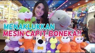 Video Menaklukkan Mesin Capit Boneka di Timezone Summarecon Mall Bekasi MP3, 3GP, MP4, WEBM, AVI, FLV Januari 2019