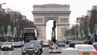 Guerra por la apertura comercial los domingos entre la izquierda francesa