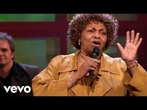Bill & Gloria Gaither – Faith [Live] ft. Cissy Houston