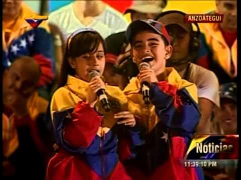 Lucia Valentina Ft El Potrillo - Chavez Viviras (en Vivo)