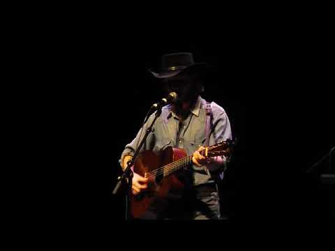 Video: Colter Wall at The Paramount during Rhythm & Roots 2017