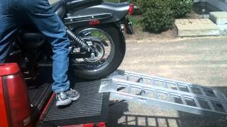 7. Unloading the 2008 Suzuki GZ250