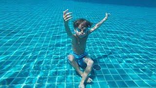 Hotel Pool Jumps Fun - Seychelles Holidays !!! Subscribe pls: https://www.youtube.com/c/ArcadiusKulFunToysFamilyGames Our...