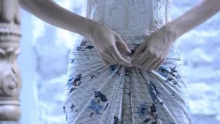 Video Tutorial Memakai Kain Batik Sebagai Celana Padanan Kebaya MP3, 3GP, MP4, WEBM, AVI, FLV September 2018
