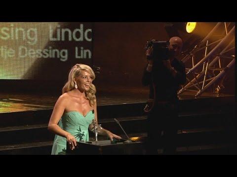 ring - http://www.avrotros.nl/goudentelevizierringgala Chantal Janzen is de winnares van de 'Zilveren Televizier Ster Vrouw. Voetballer Mephis Depay en Jasper Cillessen reiken de 'Zilveren Televizier...