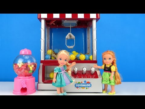 Claw Machine ! Elsa And Anna Toddlers Win Prizes - Game Room
