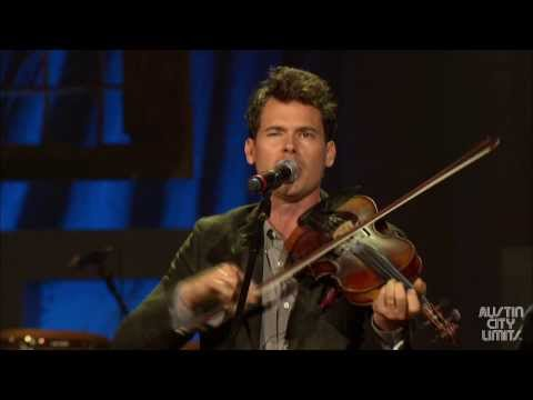 Americana - Americana favorite Old Crow Medicine Show perform their classic