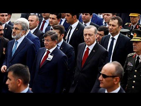 Τι αλλάζει στην Τουρκία με την αποχώρηση Νταβούτογλου