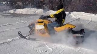 9. JMS Auctions 2004 Ski-Doo MXZ800 Adrenaline