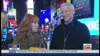 New Year's Eve Live 2013 Anderson Cooper Kathy Griffin Times Square New York (1/13)