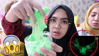 Video DIY SLIME GLOW IN THE DARK !! part2 RUSUH BANGET wkwk MP3, 3GP, MP4, WEBM, AVI, FLV Maret 2019
