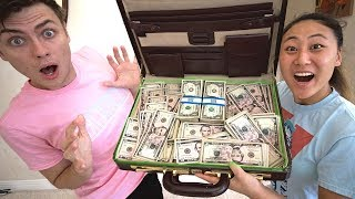 Video WE FOUND $10,000 IN AN ABANDONED ATTIC!! MP3, 3GP, MP4, WEBM, AVI, FLV Maret 2019