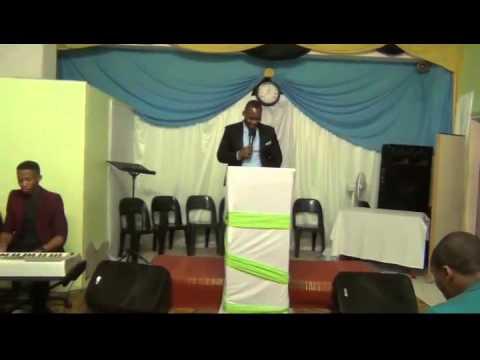 DR.NTSELE-lord you are worthy/EV.Mavuma-zincane izibongo (видео)