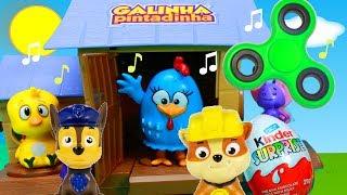 """Hoje tem muitas surpresas no galinheiro musical da Galinha Pintadinha! Tentamos o desafio fidget hand spinner, com brinquedos da Patrulha Canina (Patrulha Pata ou Paw Patrol)! Vem brincar com a turma da Galinha Pintadinha com musicas completo em portugues! Inscreva-se ►http://www.happytoystv.net  e não perca os próximos vídeos.""""Galinha Pintadinha e sua turma"""" é uma animação com personagens infantis e músicas de domínio público, que incluem cantigas de várias gerações. A Galinha Pintadinha, o Galo Carijó, o Pintinho Amarelinho, a Baratinha e a Borboletinha têm encantado as crianças, com músicas cantigas alegres e enredos clássicos e engraçados.Patrulha Canina  (PAW Patrol) é uma série de animação infantil canadense americana criada por Keith Chapman. Foi estreada nos Estados Unidos no dia 12 de agosto de 2013 na Nick Jr. e no Canadá foi estreada em 2 de setembro de 2013 na TVOKids.Patrulha Canina é um desenho animado, onde Ryder lidera 6 cachorros heróicos: Ryder, Rubble, Zuma, Marshall, Everest e Rocky.Patrulha Canina é um desenho da Nickelodeon sobre 6 cachorrinhos Ryder, Marshall, Rubble, Chase, Rocky, Zuma e a Skye e um menino Ryder.Patrulha Canina também chamado de Paw Patrol, La Pat' Patrouille, Psi Patrol, Patrulla de Cachorros, Squadra Zampa, Щенячий патруль, A mancs őrjárat, Patrulla de los Carachos, Patrulla de la Pata, 爪子巡逻, chân tuần tra, patte patrouille, 足のパト, ロール, tass patrull, Pfote Patrouille, pata de patrulha, лапа патруль, patróil lapa, klou patrollie, dorëshkrim patrullë, labă de patrulare, шапа патрола, La squadra dei cuccioli. Galinha Pintadinha Galinheiro Musical ♫♫ Brinquedos Surpresas Pintinho Amarelinho Completo ♫♫https://www.youtube.com/watch?v=L7rOQkBCUS8&list=PLFXYQt91YLM9c_9EeooZy6DMVRsuC394UGalinha Pintadinha Galinheiro Musical Desafio Fidget Spinner Brinquedos Surpresas Pocoyo Massinhahttps://www.youtube.com/watch?v=0CMYjAyXsK4&list=PLFXYQt91YLM9c_9EeooZy6DMVRsuC394UParabéns da Galinha Pintadinha Feliz Aniversário Bolo Massinha PlayDoh"""