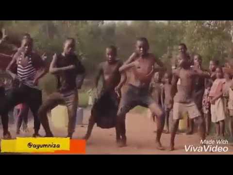 Video Kocak banget orang Papua nari lagu selamat ulang tahun download in MP3, 3GP, MP4, WEBM, AVI, FLV January 2017