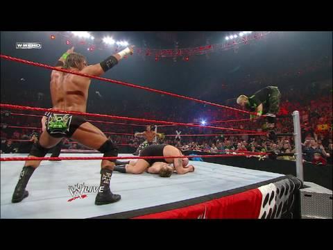 DX & Hornswoggle vs. Big Show, The Miz & Raw guest host Jon (видео)