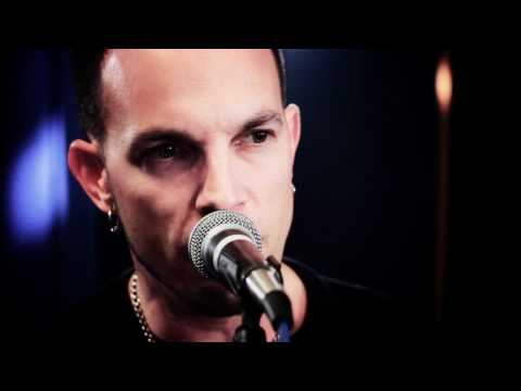 Tremonti - You Waste Your Time online metal music video by TREMONTI