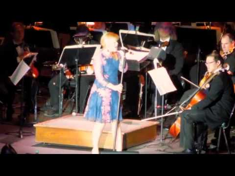 Kelly Clarkson and The Boston Pops
