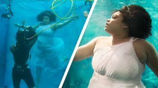 Video Women Try Underwater Modeling For The First Time MP3, 3GP, MP4, WEBM, AVI, FLV April 2018