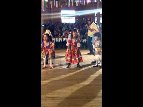 Festa Junina Das Escolas de São Jorge D'Oeste - Manu dançando