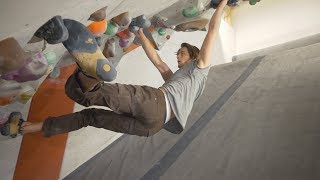 Climbing In The Tunnel - 8A/V11 Fight - Felix Endurance by Eric Karlsson Bouldering