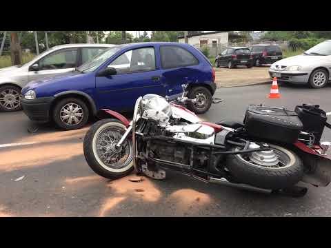 Wideo1: Wypadek na ul. Wolińskiej w Lesznie z udziałem motocyklistki