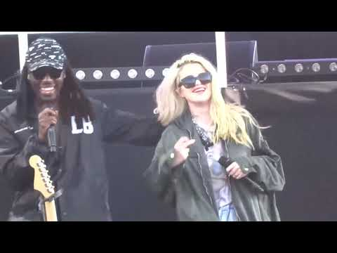 Blood Orange & Sky Ferreira   Everything Is Embarrassing + You're Not Good Enough   FYF Fest 2016