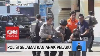 Video Aksi Heroik Polisi Selamatkan Anak Pelaku Ledakan MP3, 3GP, MP4, WEBM, AVI, FLV Mei 2018