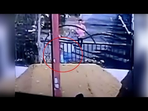 Open gutter in E China puts kid's life in danger