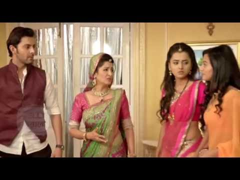 Adarsh Throws Swara And Her Family Out Of The Hous