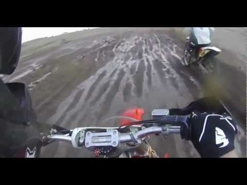 Moto de cross Vs tractor