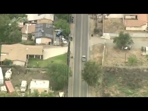 High-speed chase of stolen car in Southern California (видео)