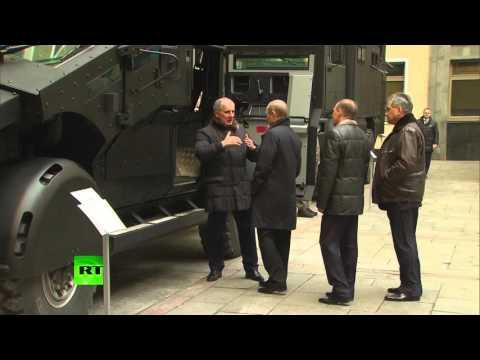 Спецтехнику ФСБ показали Путину и Шойгу
